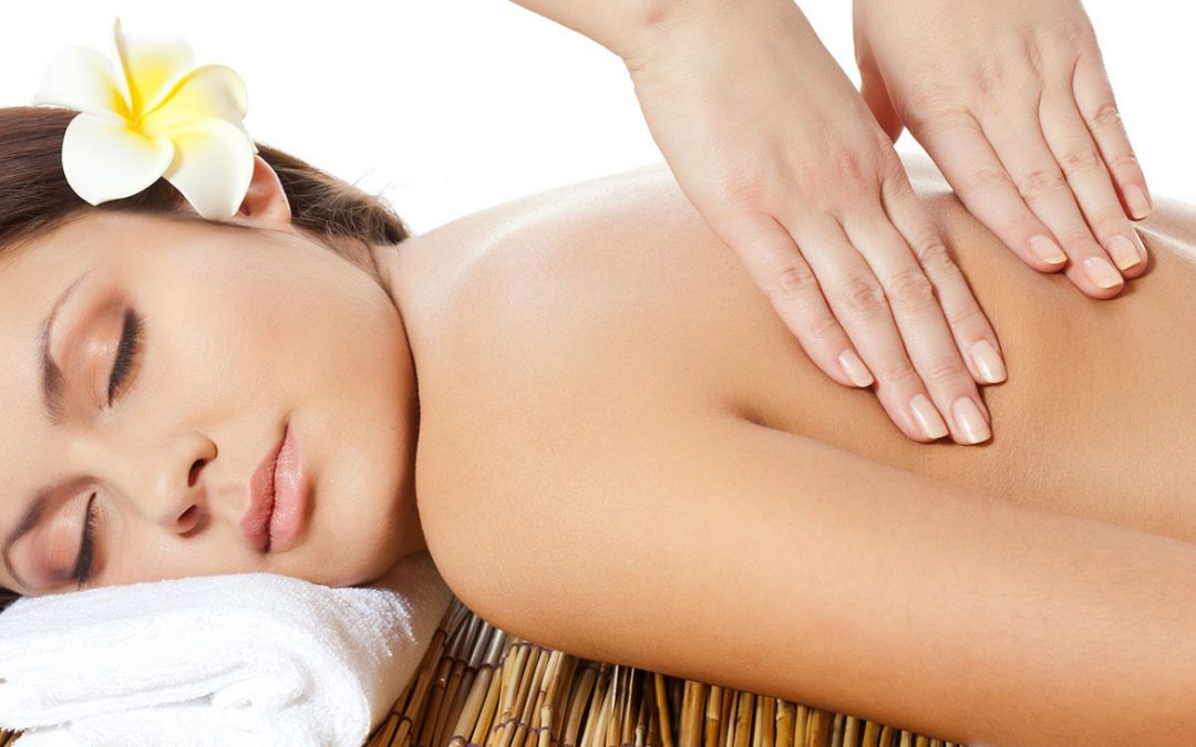 Lymphatic Drainage 101: What It Is And How It Can Benefit Everyone + 4 Ways To DIY At Home